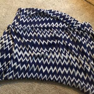 infinity scarf blue and white